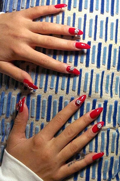 Rita Ora manicure for MTV VMA