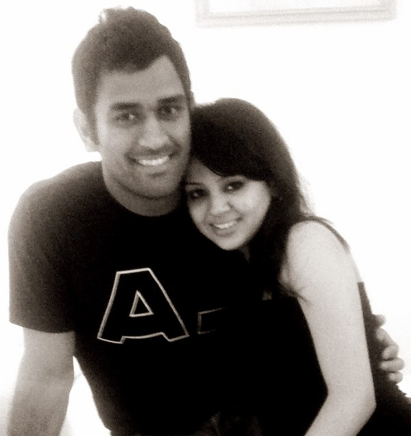 Ipl 5 cricket wallpaper olampics wallpaper dhoni wife picture