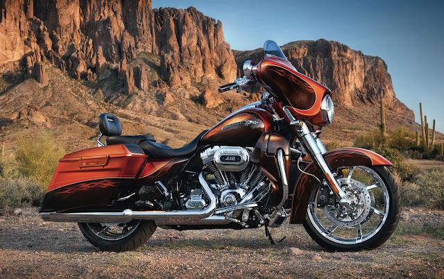 2012-Harley-Davidson-FLHXSE3-CVO-Street-Glide-Hot-Citrus