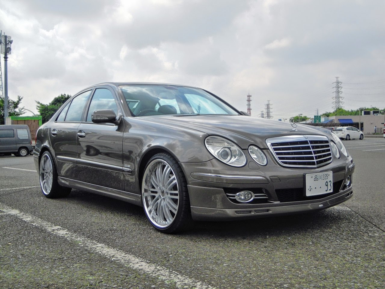 mercedes benz w211 on auto couture lative wheels benztuning