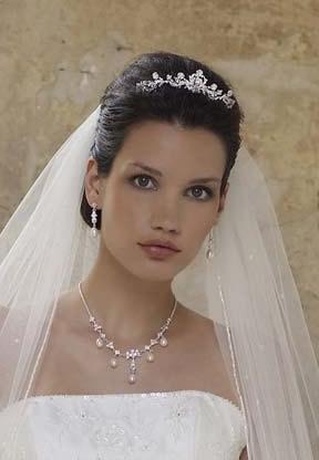 robes de mariage,robes de soirée et décoration: Coiffure de mariage ...