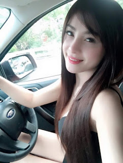 Beautiful Woman - Uber