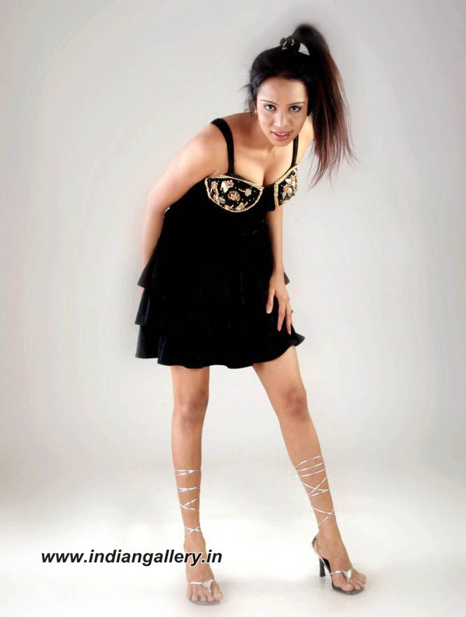 download its about Indian Actoresses Nadine Jansen Picture pic