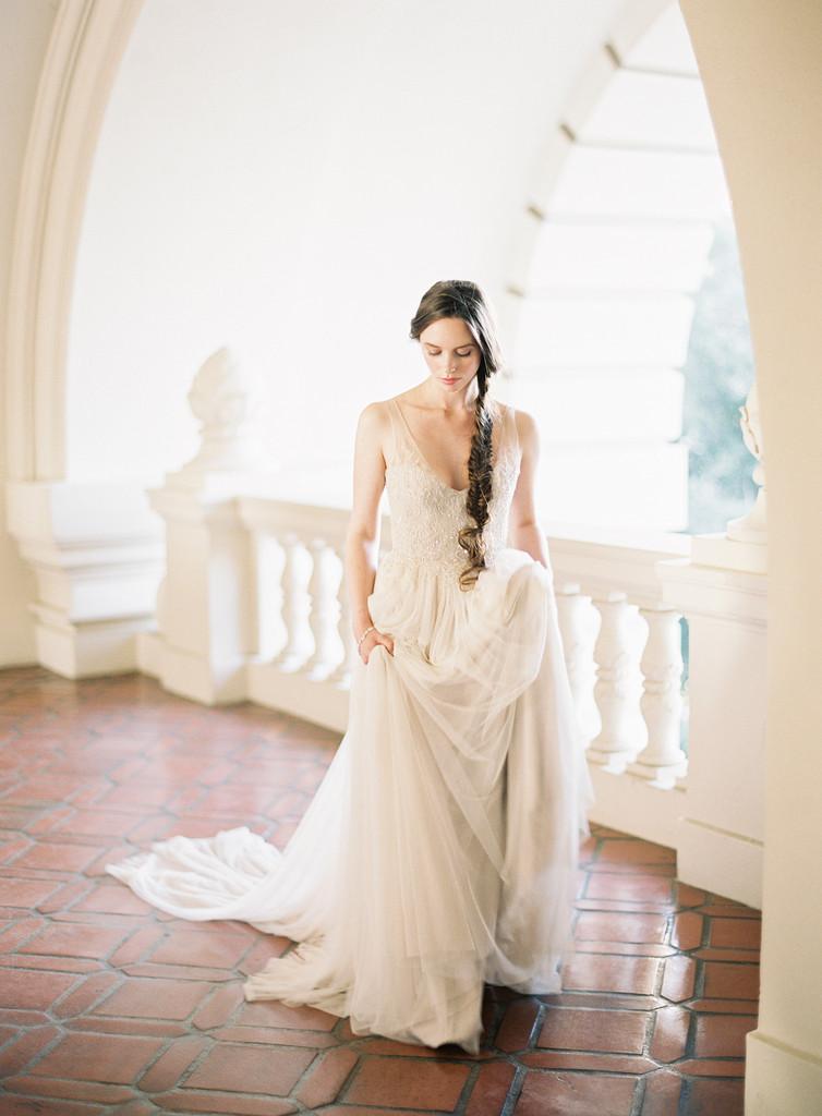 http://www.rosanovias.com.au/vinatage-v-neck-lace-embroidered-sequins-aline-long-tulle-wedding-dress-p-21712.html