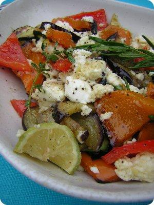 Gegrilltes Gemüse mit Mozzarella