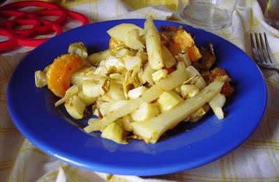 Hojas de coliflor y patata asadas a la mandarina