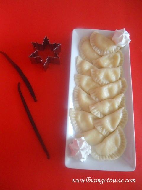 Pierogi z serem i wanilią
