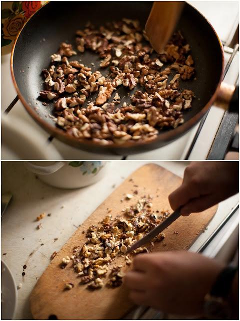 Поджариваем грецкие орехи