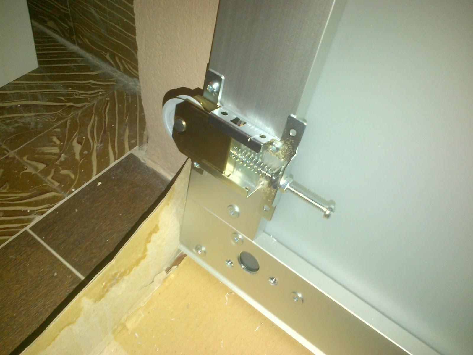 Consejos practicos para comprar en ikea adaptacion de - Montar puerta corredera ...