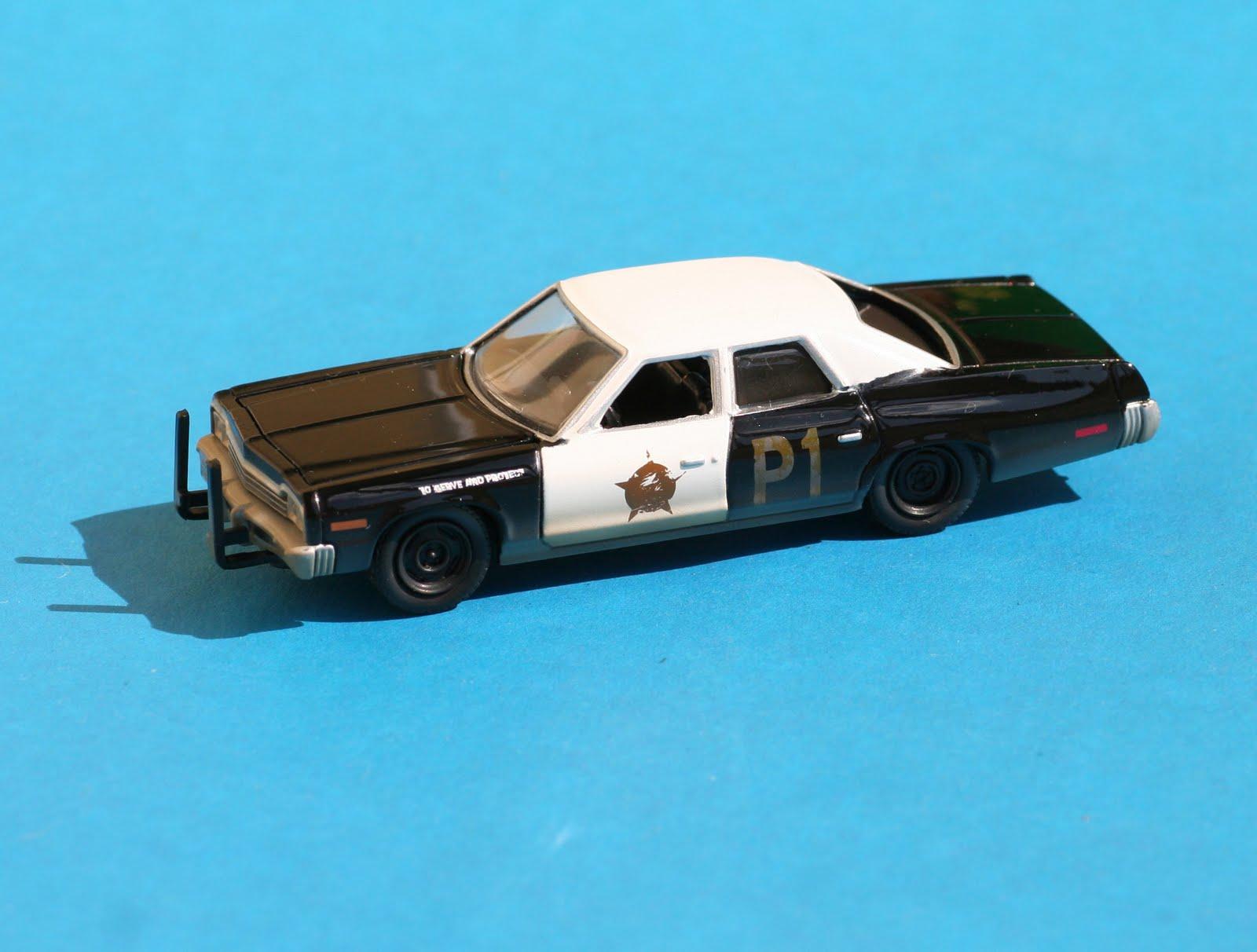 Incredible mini garage dodge monaco 1974 the blues for Garage mini monaco