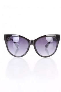 http://www.amiclubwear.com/accessories-sunglasses-cccc10-8gcat27025black.html
