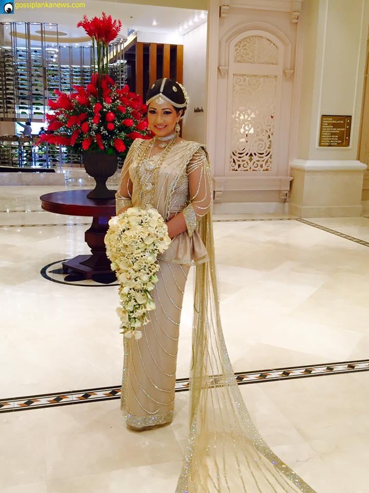 Actress Piyumi Botheju Wedding Photos ~ Sri Lankan Wedding ... Nehara Peiris And Menaka Rajapaksha Wedding