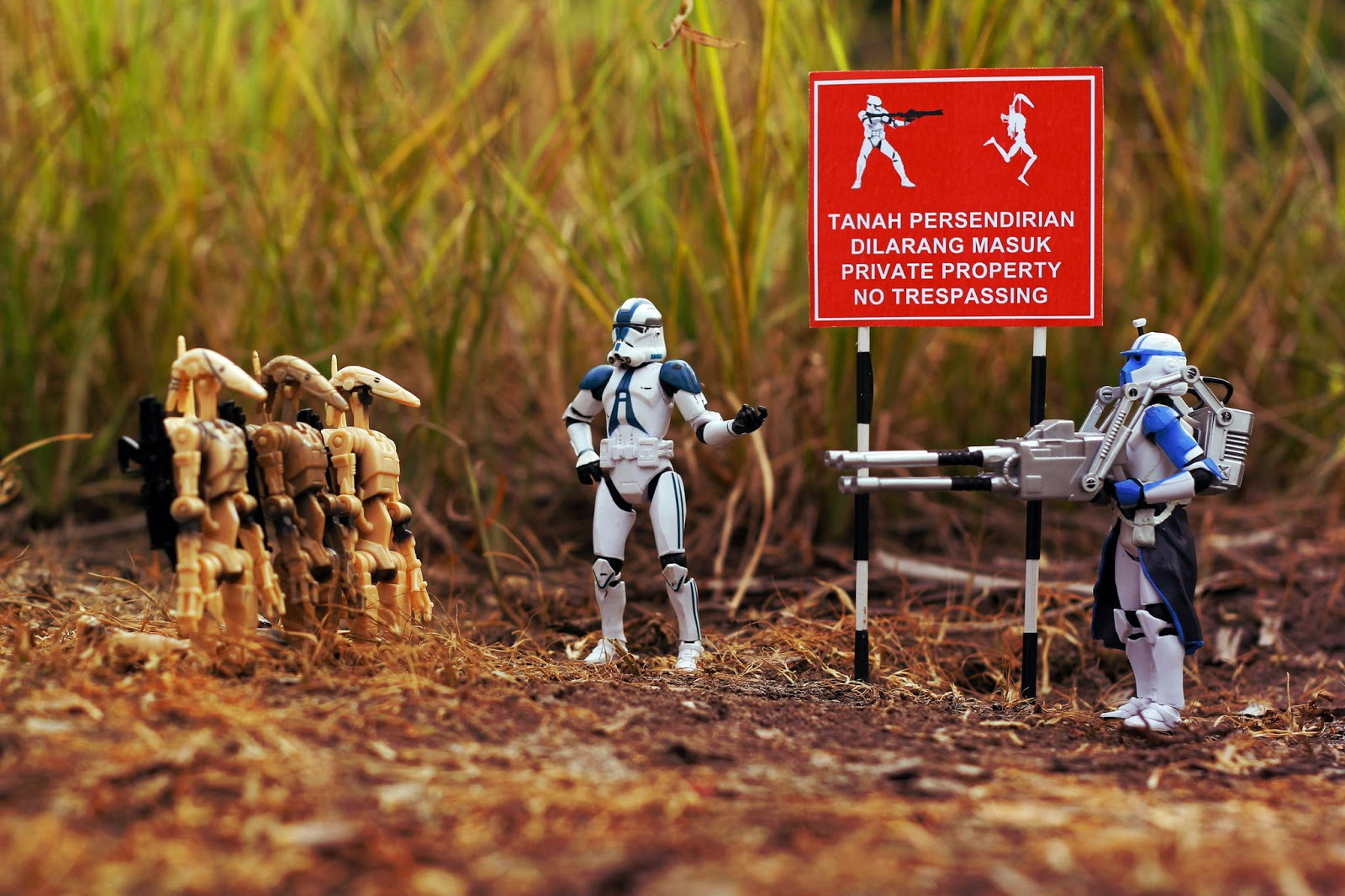 The Tale of Trn and Vietnam War Photographer Larry. - Time War photographer action figure