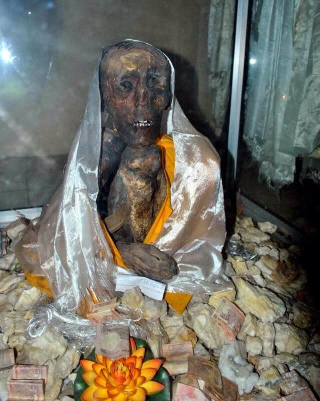 Mummy of Sangha Tenzin - Well Preserved Mummy of Buddhist Monk