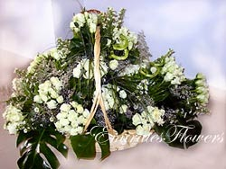 100 White Roses delivery in Qatar with price