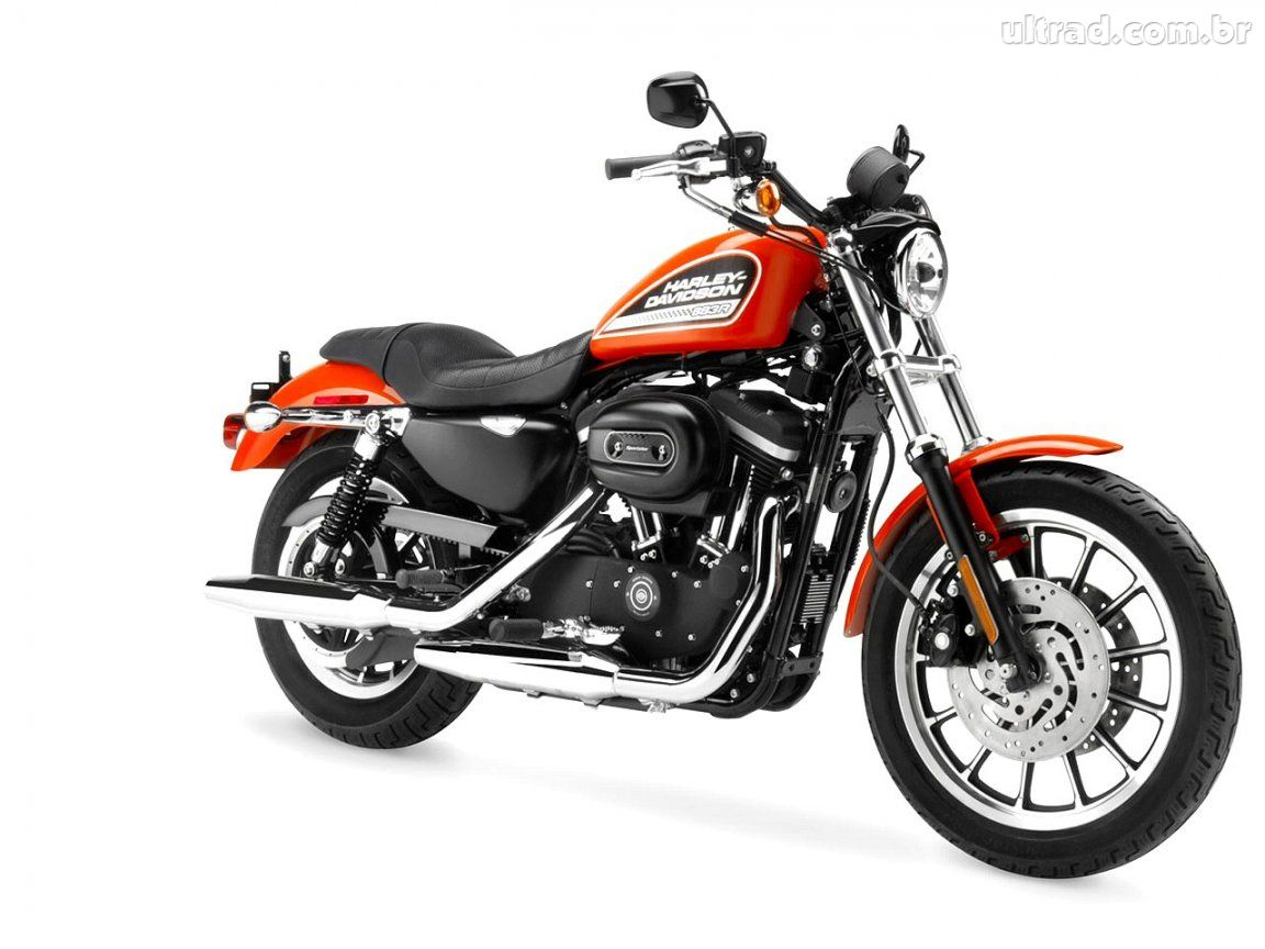 HARLEY DAVIDSON 883 R – UMA MOTO VIBRANTE