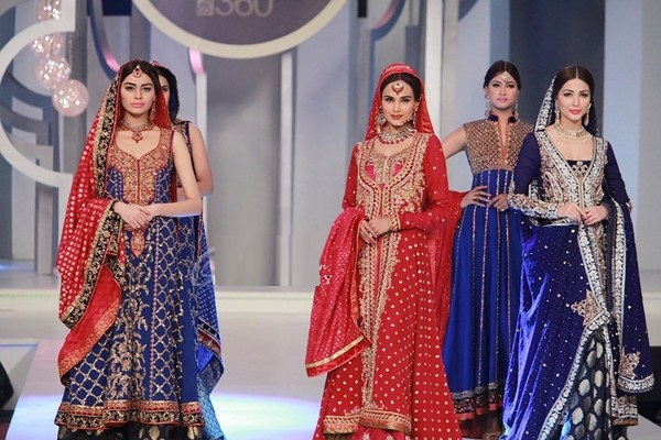 Latest-Pakistani-Fashion-For-Women