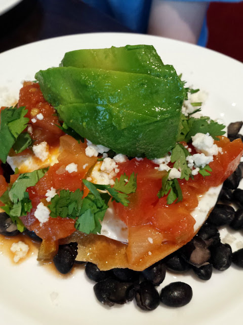 A traveler's look at family-friendly hotel packages at the Ritz-Carlton Washington D.C. The Lions,Tigers, Bears...Oh My! Package ties in with the National Zoo.  Huevos Rancheros is a great breakfast dish.