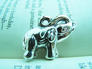 elephant jewelry, silver,pendant,animal