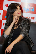 shruti haasan latest photos-thumbnail-15