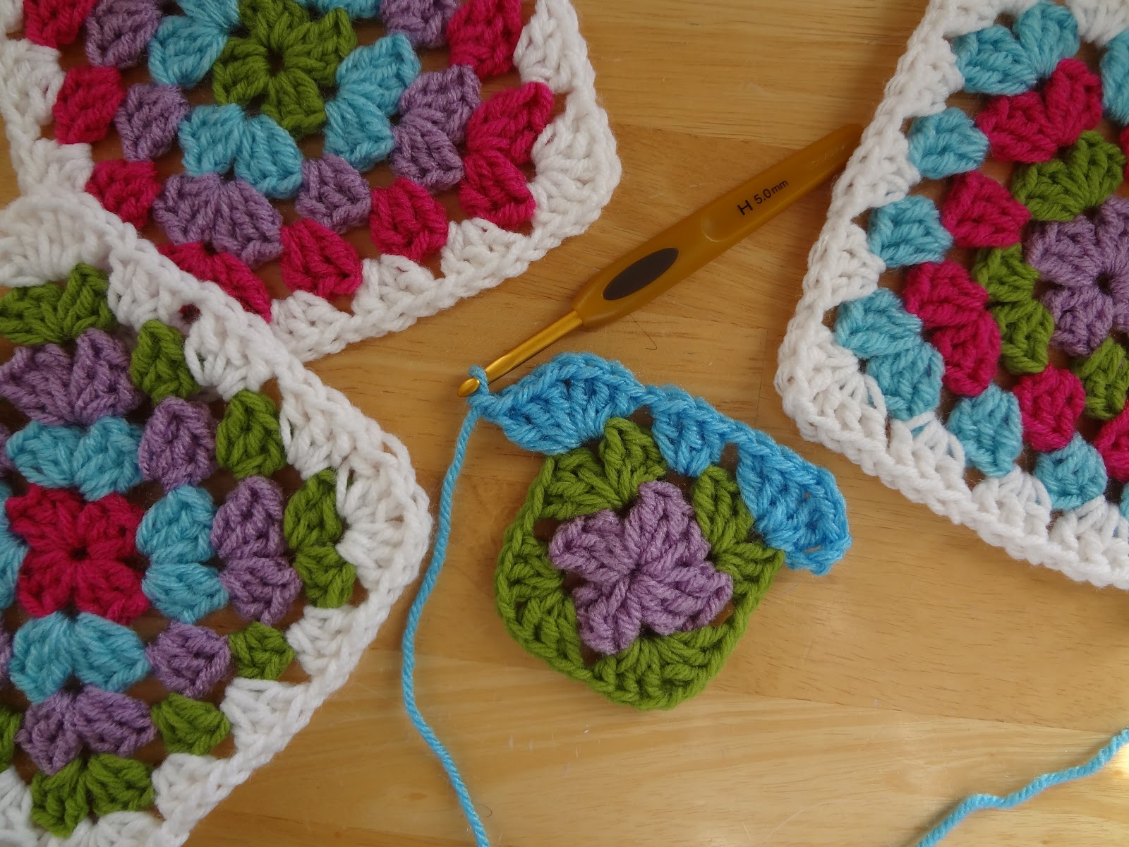 Fiber Flux: Granny square goodness for a dolls house