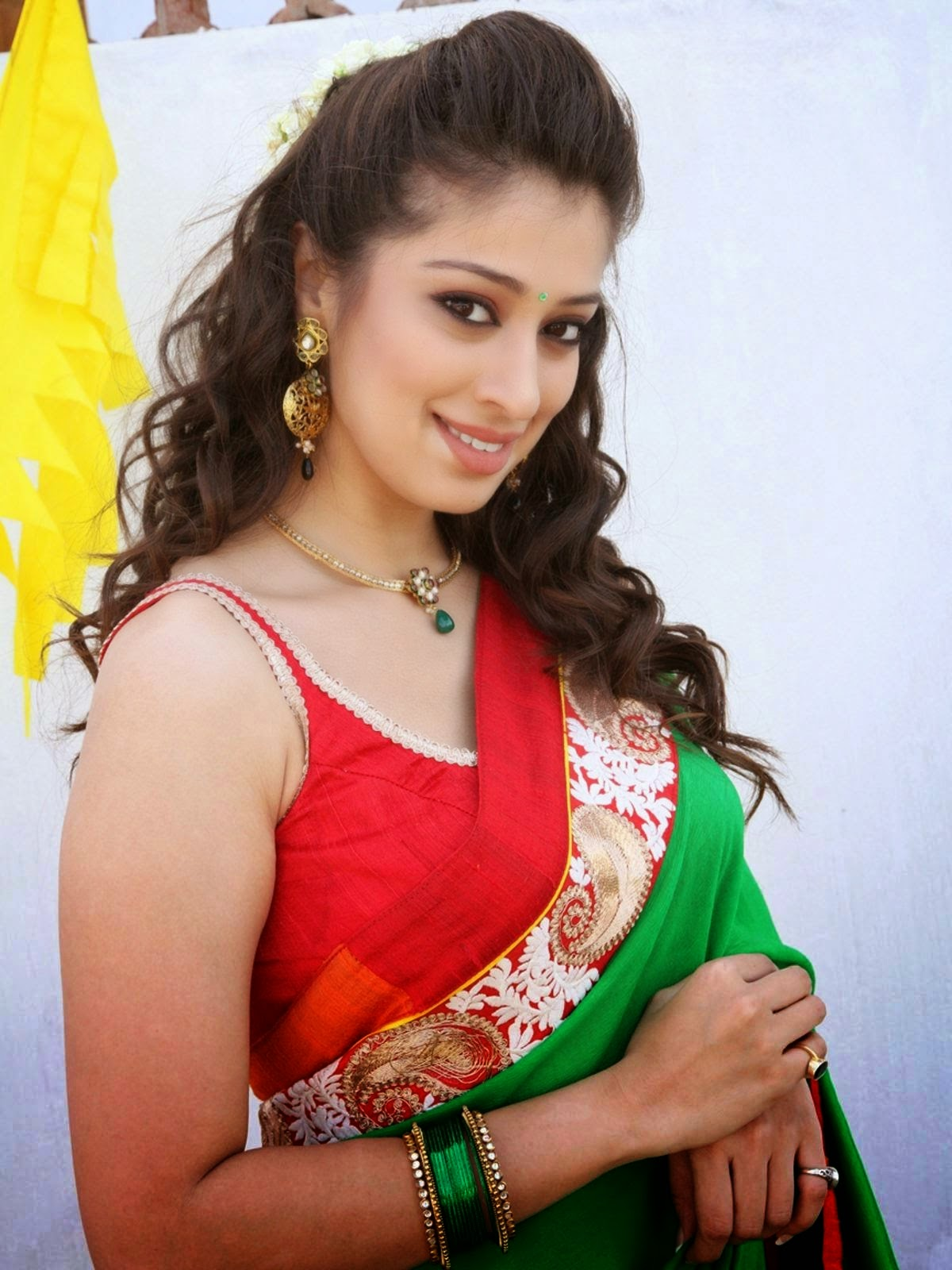 Raai Laxmi (Lakshmi Rai) HD Wallpapers Free Download