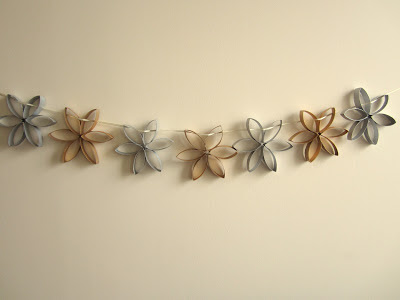 christmas garland decoration gold silver toilet roll craft idea