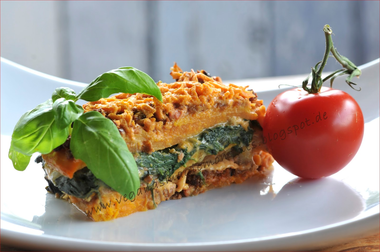 veganas magic moments s kartoffel lasagne mit wiefleisch hack spinat und mandelcreme. Black Bedroom Furniture Sets. Home Design Ideas
