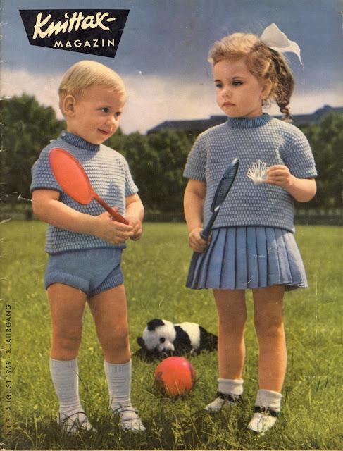 Kindersachen mit dem Handstrickapparat