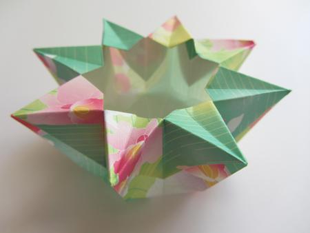 origami 8 pointed vase