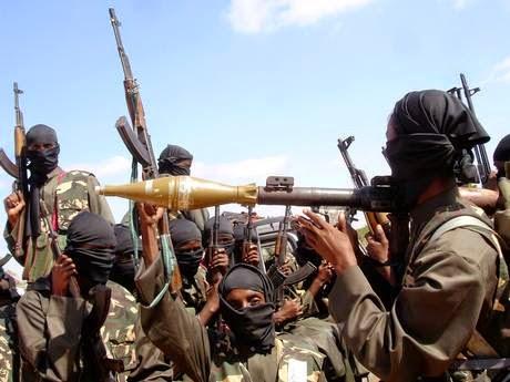 """""""Mohammed Emwazi había querido unirse al grupo terrorista islámico al-Shabaab, el grupo que controla una franja de Somalia y ha hecho una carnicería en toda África Oriental"""" (Reuters"""