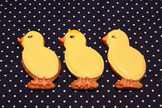 Easter spice biscuits in the shape of chicks