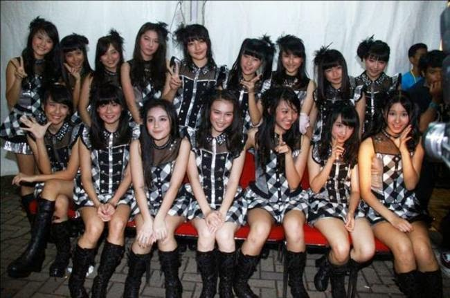 download lagu JKT48 Gingham Check