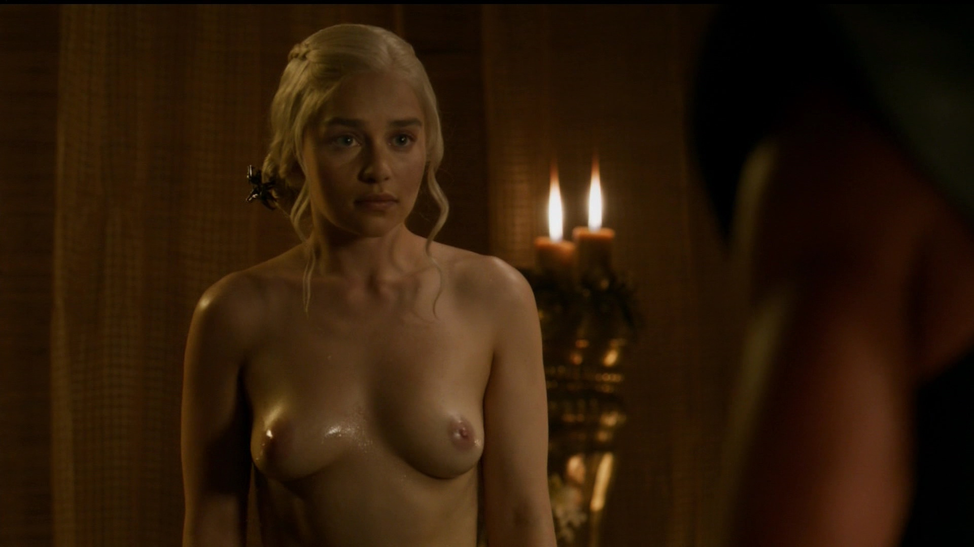 Epostas Emilia Clarke Topless Nua Em Game Of Thrones