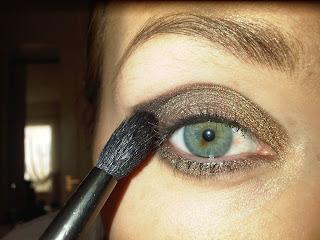 blending brush for dark eyeshadow