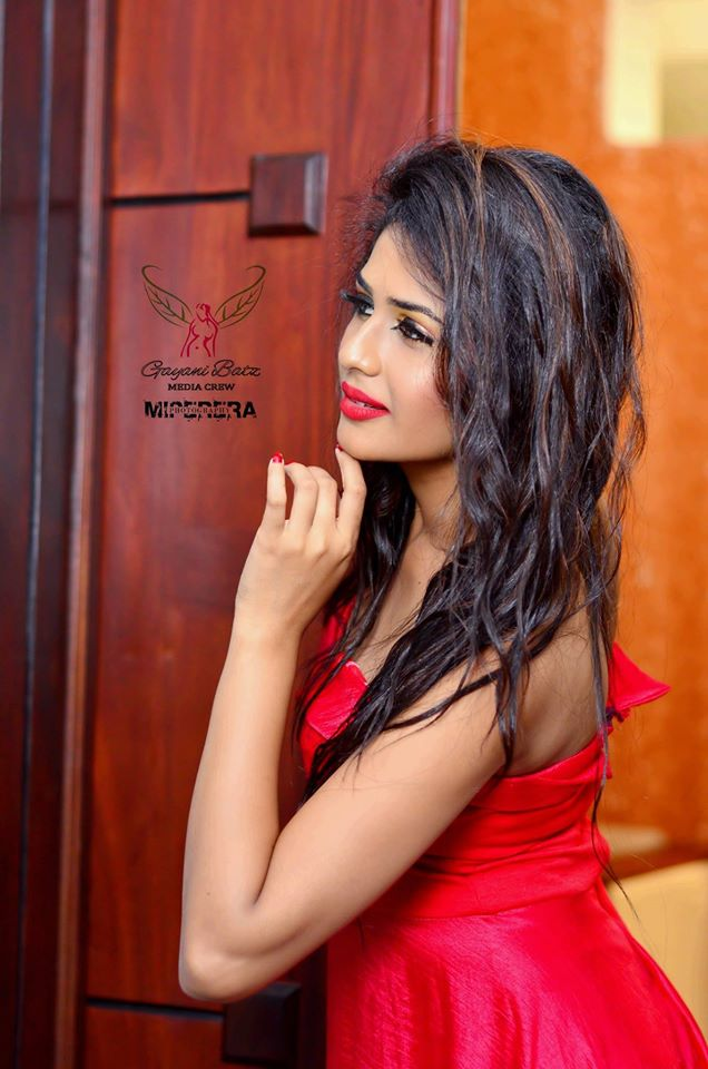 hot shoot photo lanka Sri