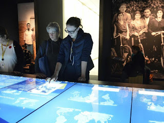 Museo Canadiense de los Derechos Humanos - Winnipeg - mesa multitouch