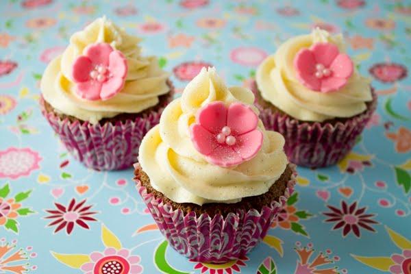 Paso a paso: Horneado y decorado de Cupcakes y Cupcakes de