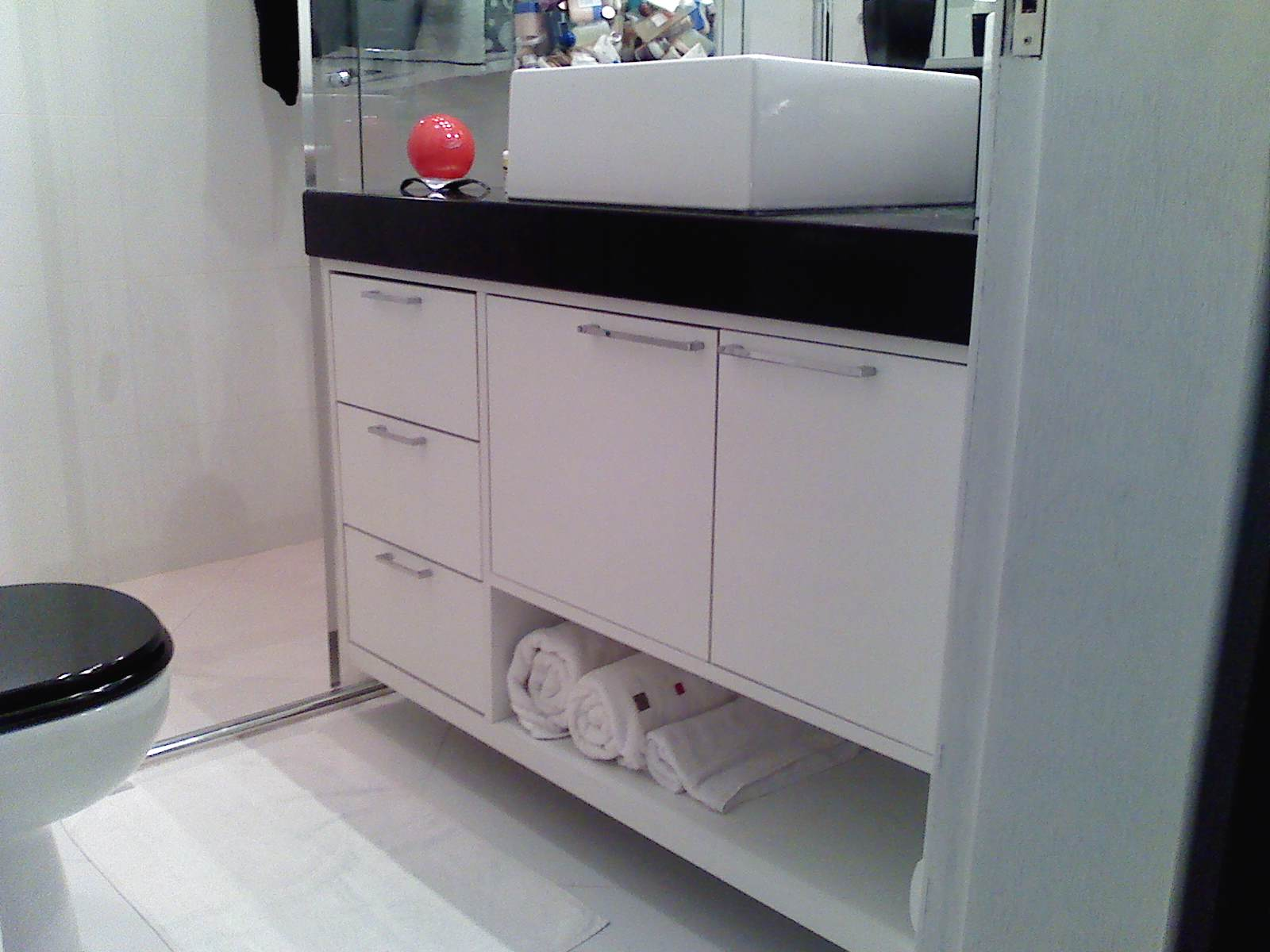 Pronto Socorro do lar Montadora de móveis #4E5B62 1600x1200 Armario Banheiro Branco