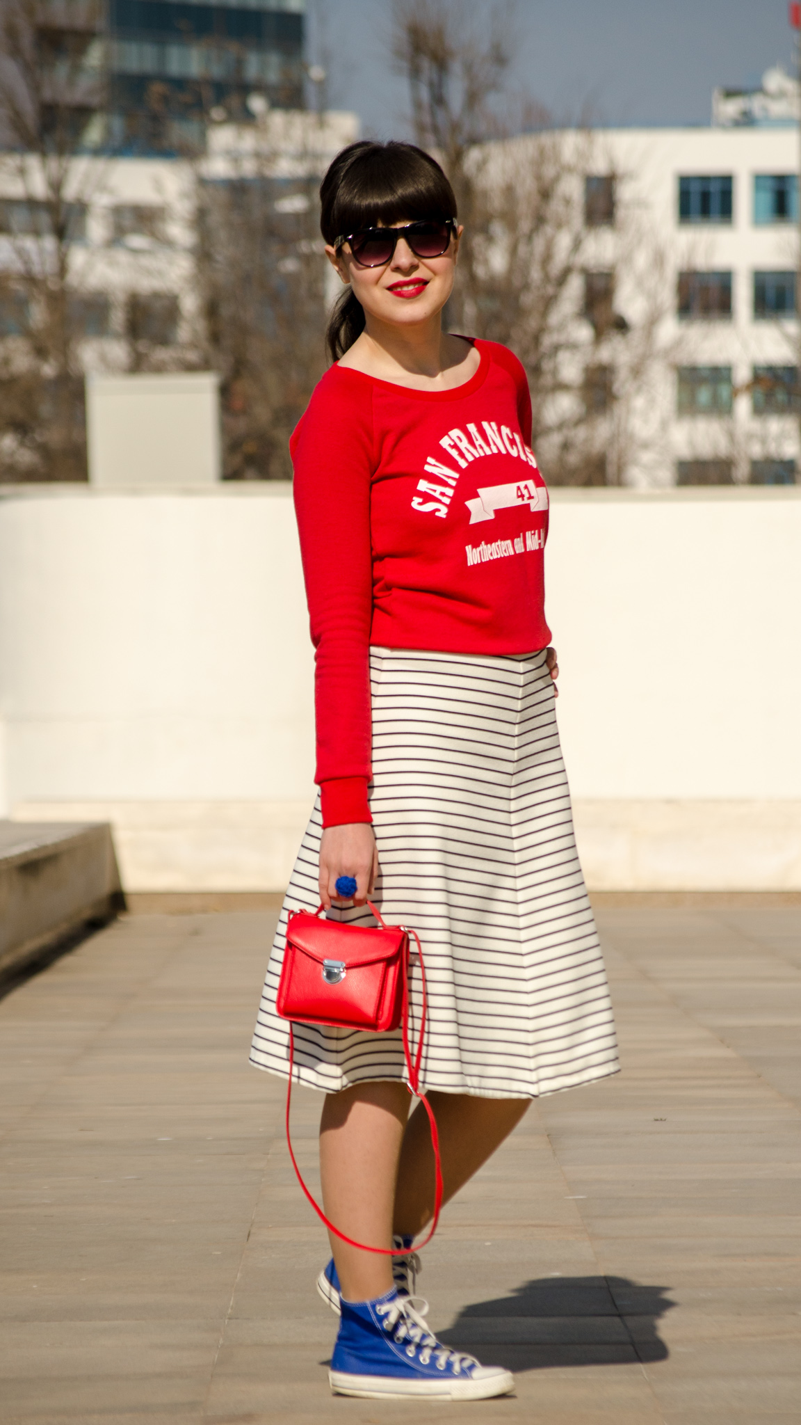 sport red top koton zara striped skirt stripes navy look red bag satchel cobalt blue sneakers converse spring outfit