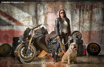 Vliner-girl-Triumph-motorcycle-biker-Speed-Tripple-Bulldog-wallpaper-free