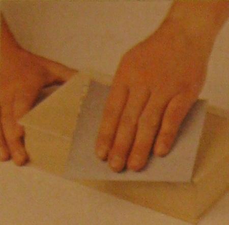 C mo preparar una superficie de madera - Limpiar madera barnizada ...