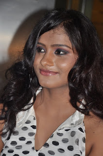 Siniya Tamil actress in black leggings White Top Spicy Pictures