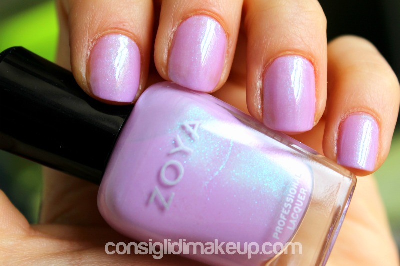 smalti Zoya swatch Leslie