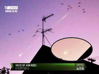 'Increíble' Meteoro visto en los cielos de Nueva Zelanda - 02 de abril 2012  Meteor-nw-zealand%5B1%5D