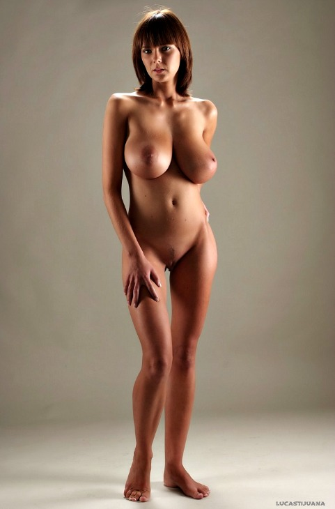 naked mamacita
