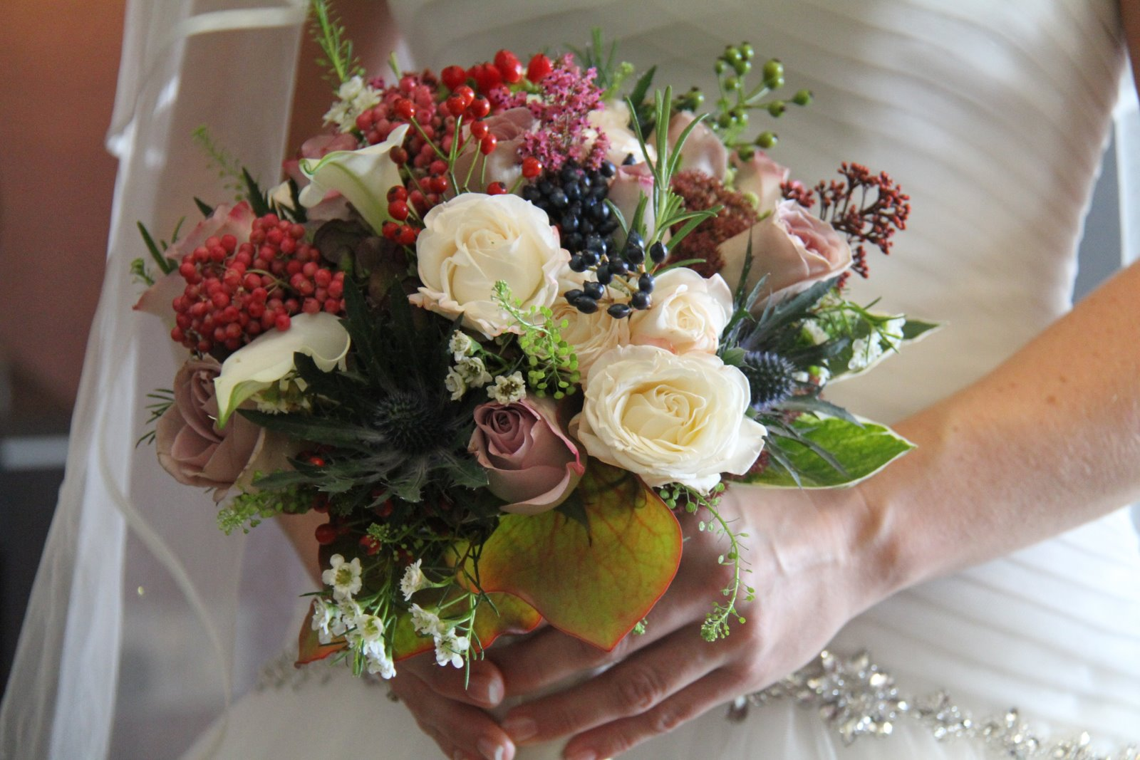 Bridal Flowers In November : A sneaky peek at the fabulous wedding day of carolyn