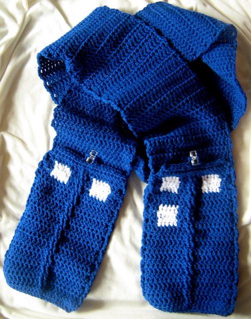 Pixelated Mushroom: Quenbys crochet TARDIS scarf