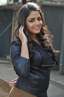 Actress Wamiqa latest glam pics 002.jpg