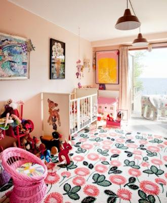 cuarto colorido bebé